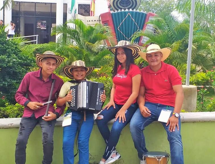 Festival de acordeoneros estudiantiles y compositores en Normal de Corozal